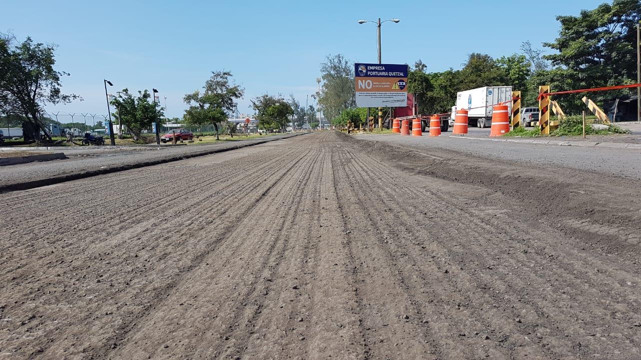Mantenimiento Y Reparación De Calles Y Avenidas De  Empresa Portuaria Quetzal