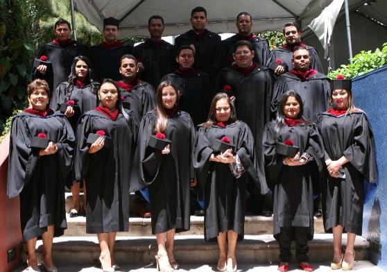 EPQ felicita a 33 nuevos profesionales